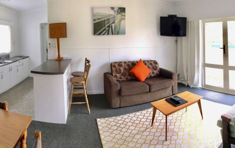 Raglan Accommodation at Raglan Palm Beach Motel